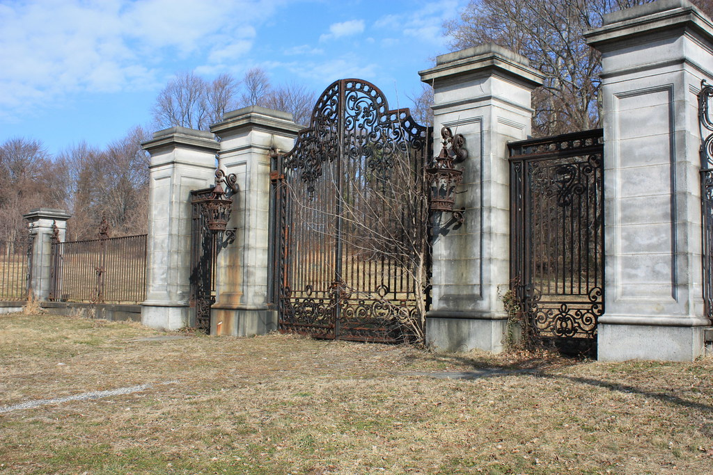 Old Gates At Lynnewood Hall Montgomery County Planning Commission Flickr