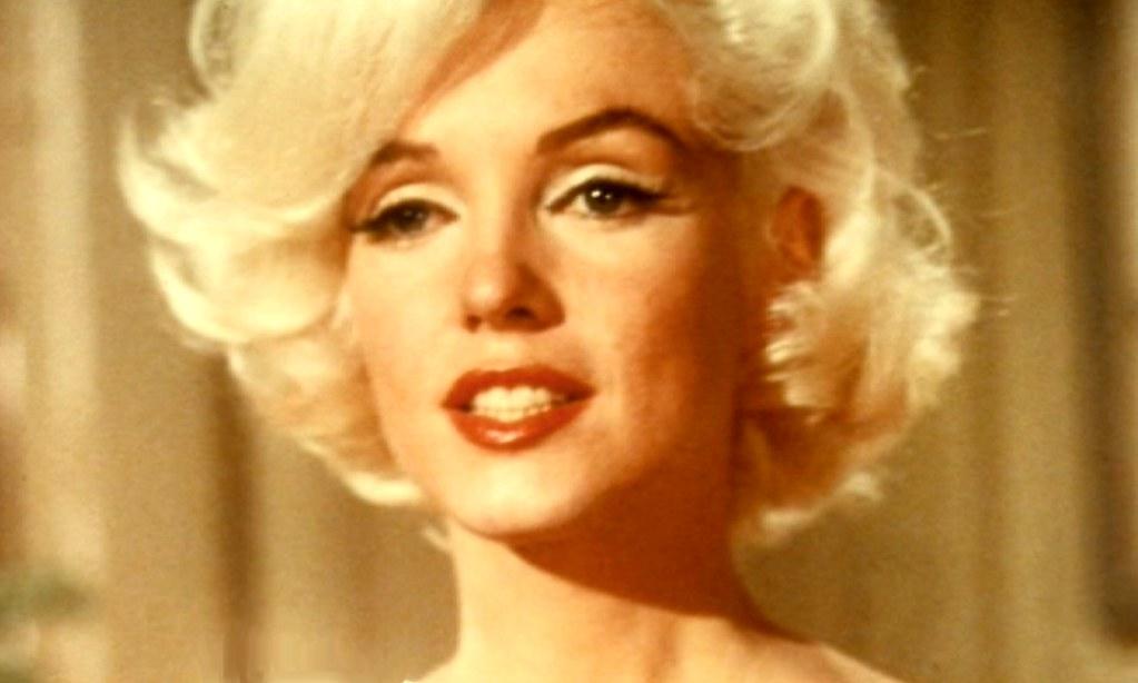 Marilyn Monroe White Shoes