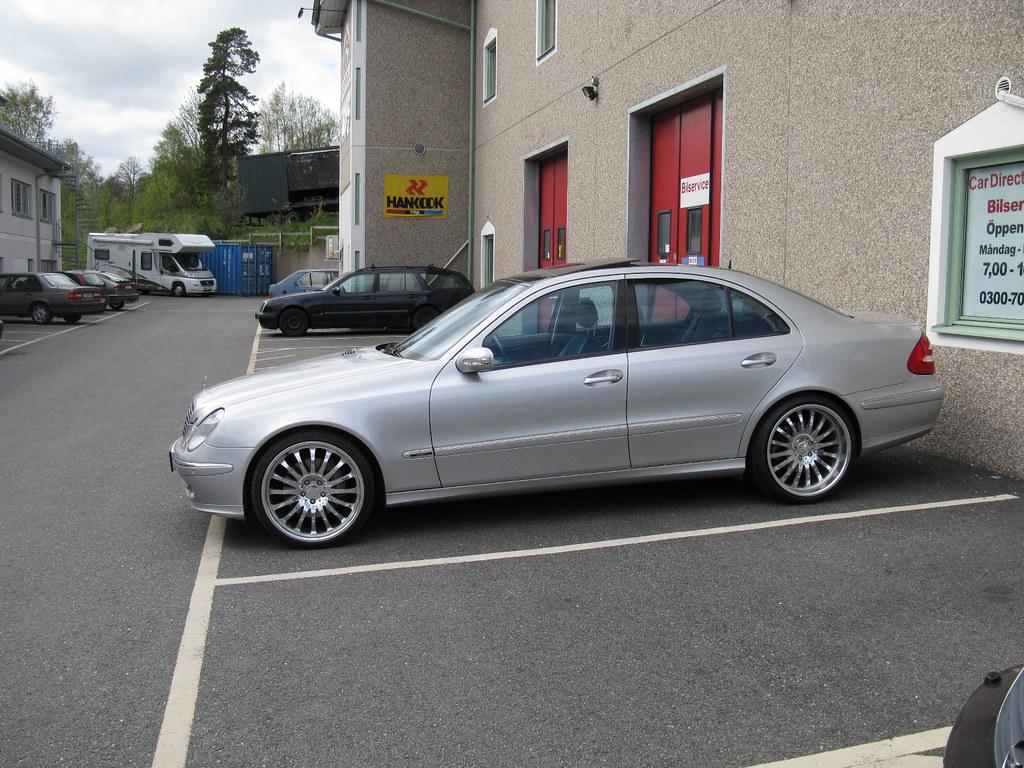 Mercedes benz e500 w211 nakhon100 flickr for Mercedes benz interview questions
