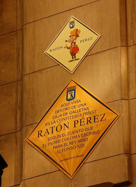 Placas en la casa del rat n p rez calle arenal madrid flickr photo sharing - Raton en casa ...