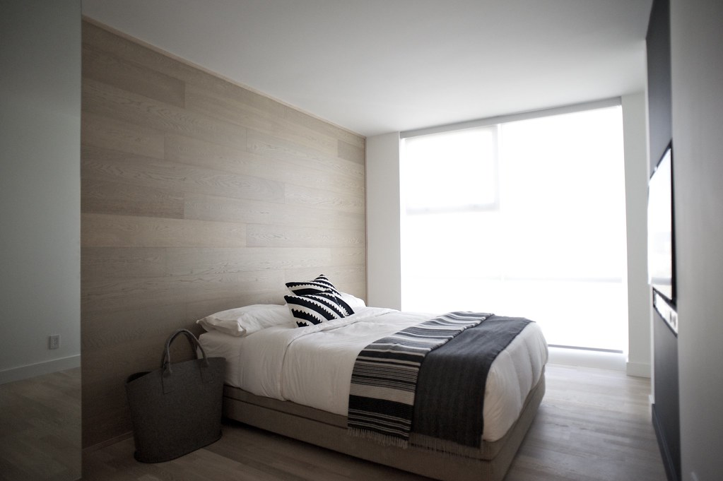 Master bedroom 2011 gaile guevara photography all for Minimalist bedroom small space