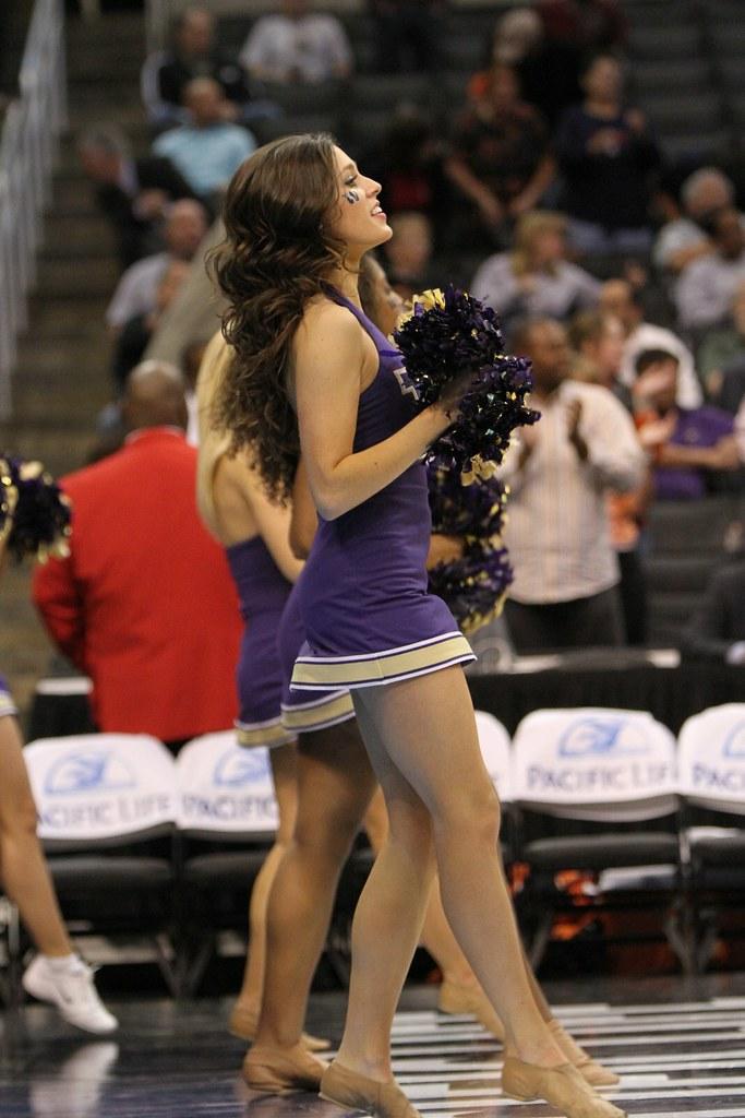 University of Washington Cheerleader | University of Washing… | Flickr
