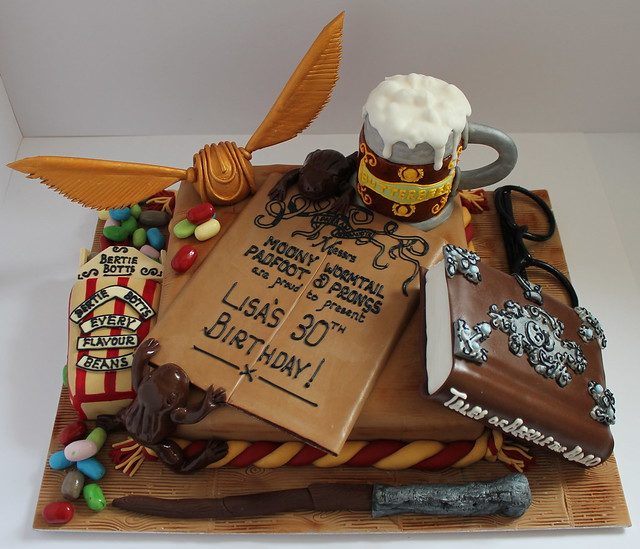 Harry Potter Cake Decorating Kit Uk : Harry Potter birthday cake! Flickr - Photo Sharing!