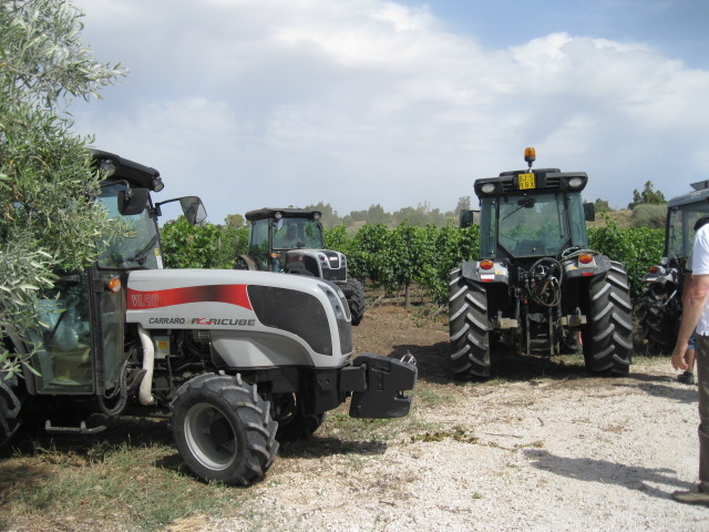 Carraro agricube prove su campo carraro trattori flickr for Forum trattori carraro