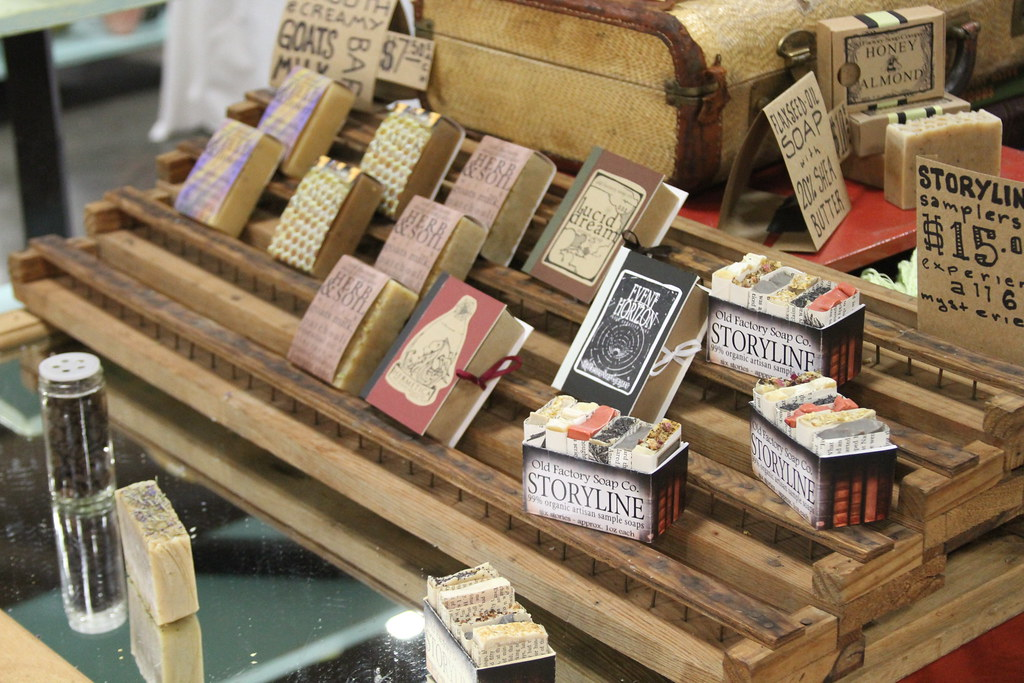 how to display signs at a craft show