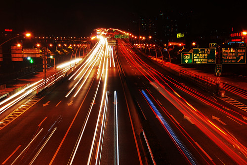 Highway traffic lightness (夏日飞火) | by an.yonghua