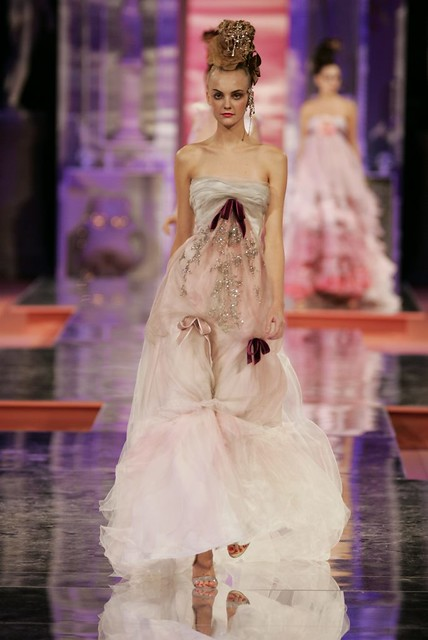 Christian Lacroix Haute Couture Spring-Summer 2005 ...