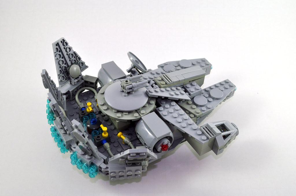 Midi-scale Millennium Falcon | Omar Ovalle | Flickr