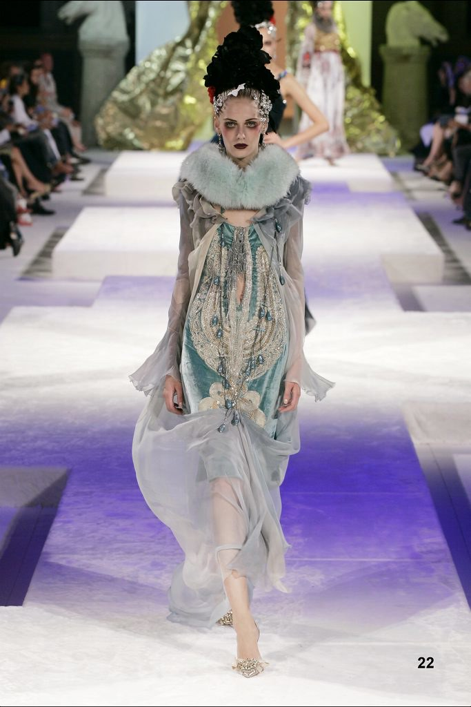 Christian Lacroix Haute Couture Fall-Winter 2005 ...