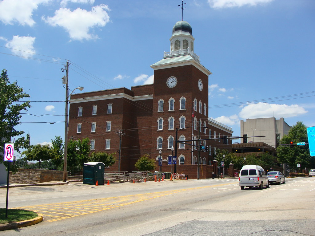 Spalding County Court House Griffin Ga Left