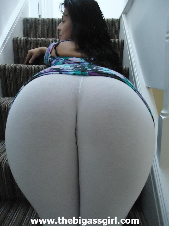 Big ass in leggings porn