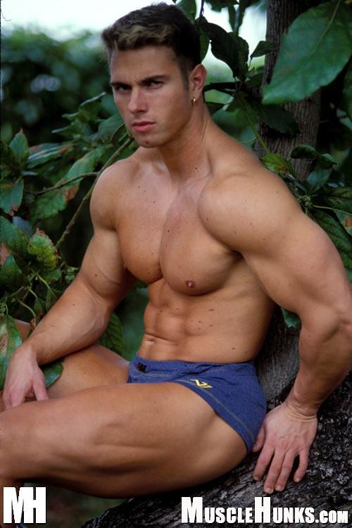 Nude muscle guy blog hot pic 15