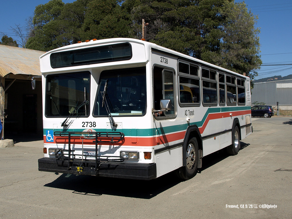 1992 gillig bus going through city in evansvilleindiana 9