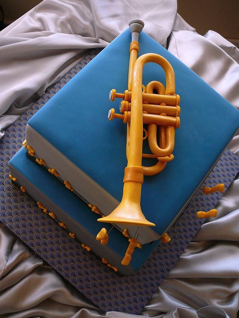 Trumpet Cake Pan
