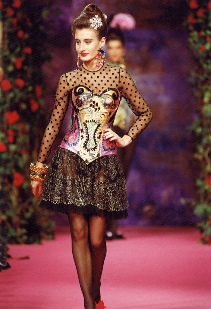 Christian lacroix haute couture fall winter 1990 for Haute couture list