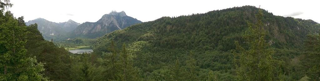 Panoramablick Schwansee, Schlösser vom Kalvarienberg