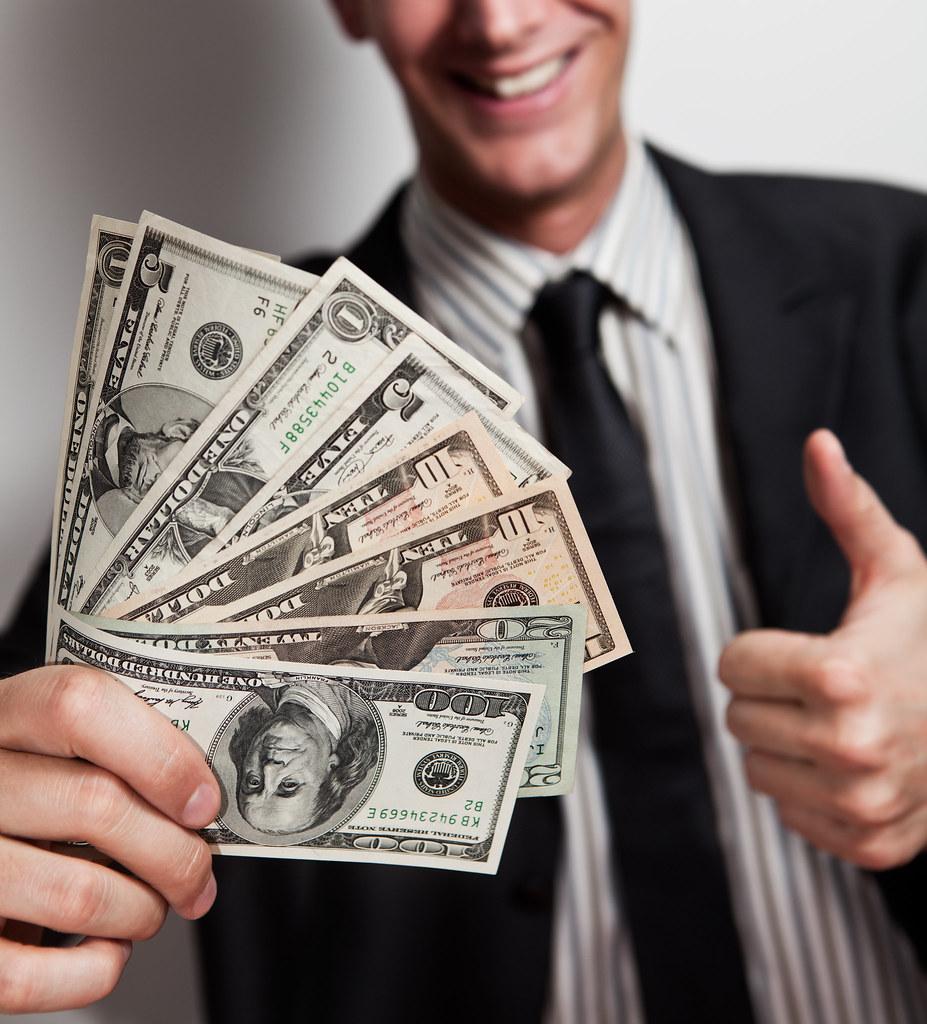 Znalezione obrazy dla zapytania money man
