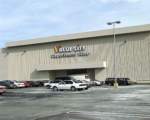 value city department store bergen mall paramus new jersey