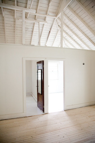 cottage_white_painted_floors-11 | by kitka.ca