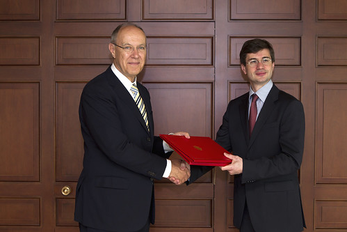 France Deposits Instrument of Ratification of 1991 Act of UPOV Convention | by WIPO | OMPI