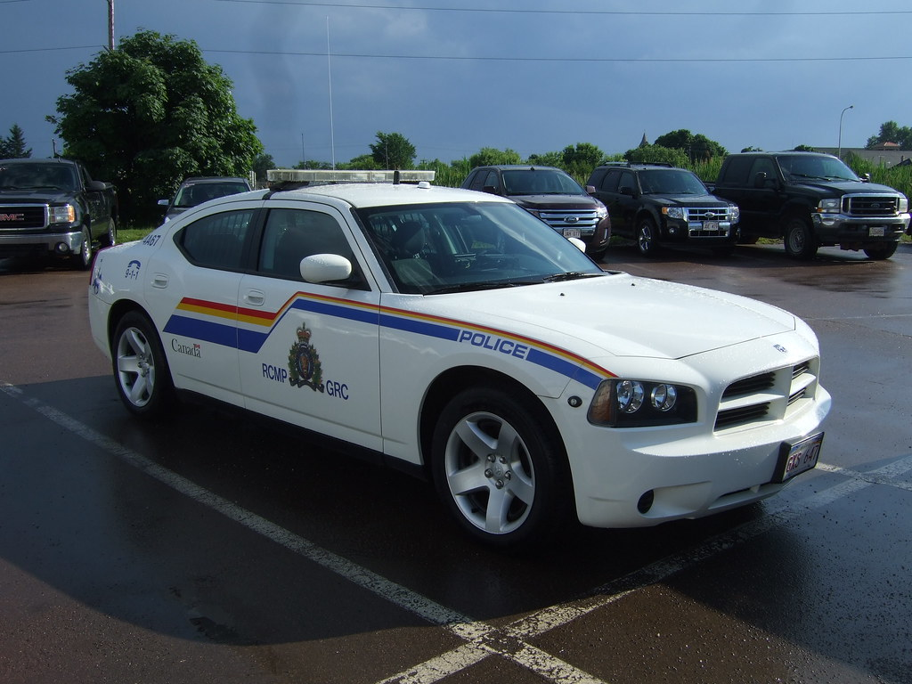 Rcmp Grc 4a67 Rcmp Grc 4a67 2010 Dodge Charger In The Shed Flickr