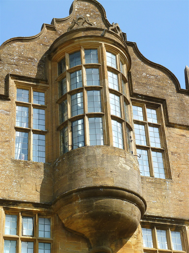 montacute oriel window the magnificent semi circular