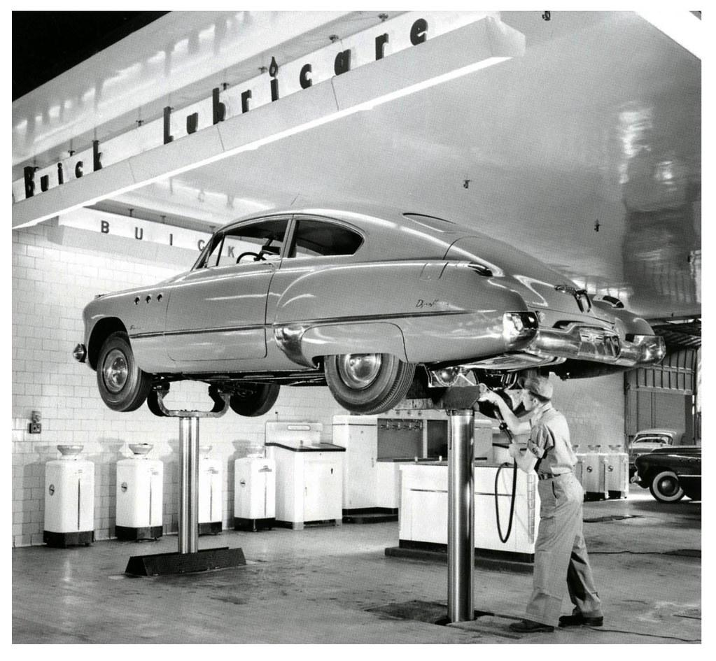 1949 Buick Super Custom Review: Buick Super Fastback