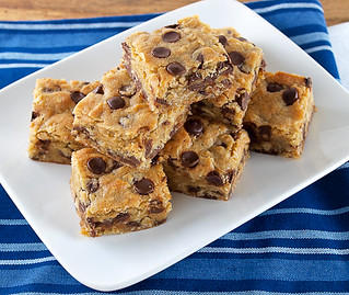 Chocolate Chip Cardamom Oat Blondies | by EvilShenanigans