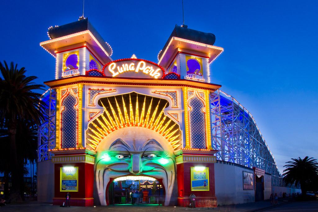 Luna park melbourne in blue hour sunday evening shot for Puerta 9 luna park