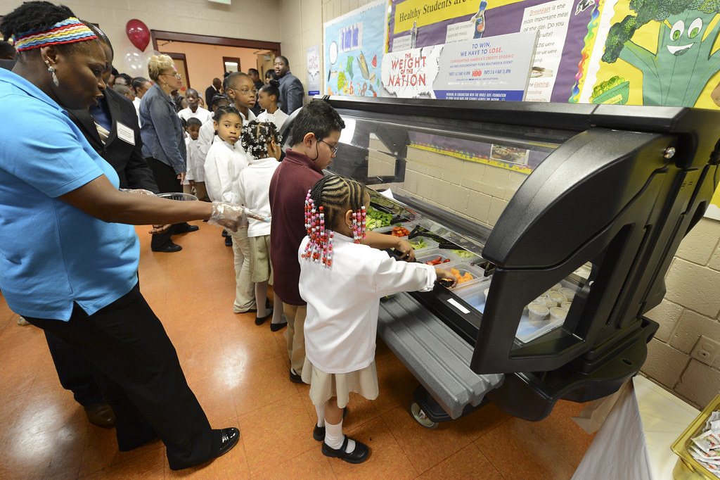 let s move salad bars to schools Let's move salad bars to the schools website salad bars in the school nutrition programs fact sheet safe use of salad bars in schools fact sheet.