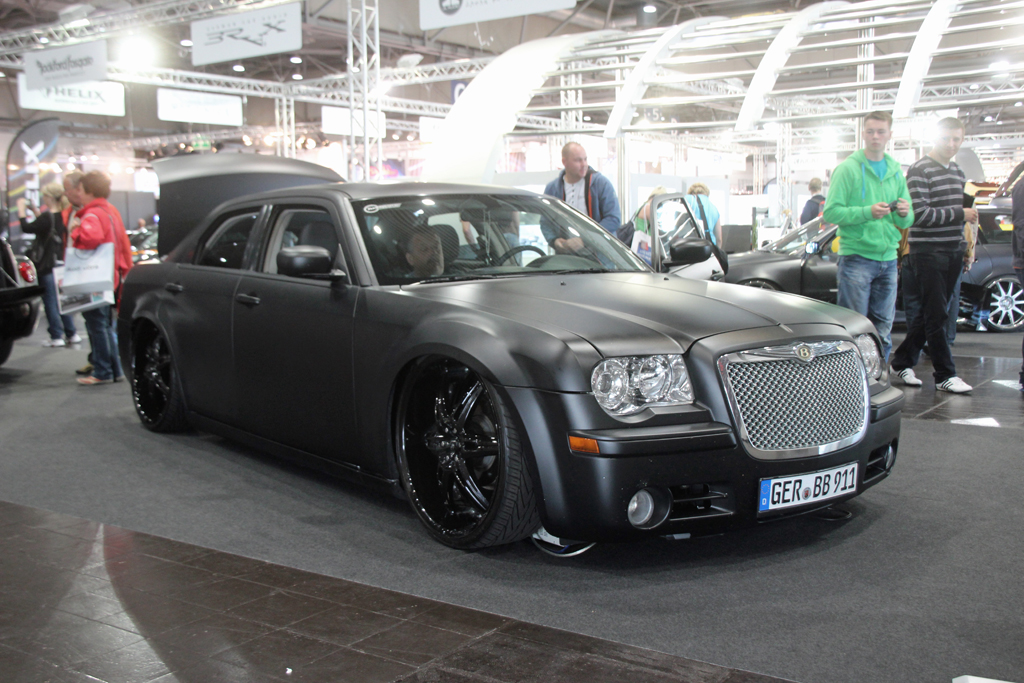 ami 2012 leipzig chrysler 300c tuning folgt meinem auto flickr. Black Bedroom Furniture Sets. Home Design Ideas