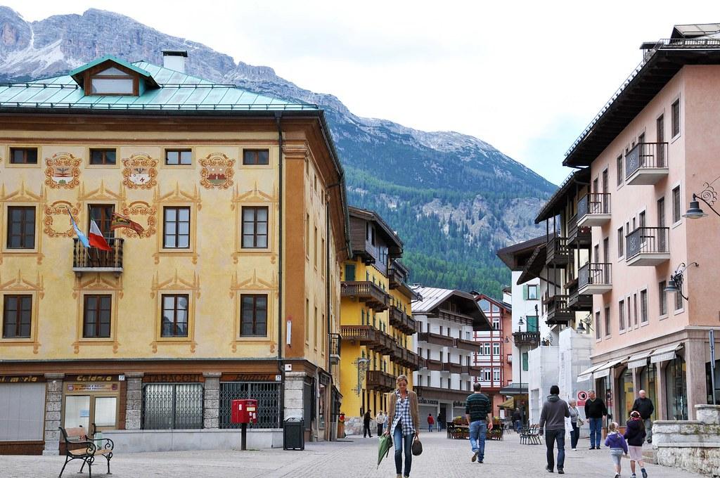 What business Cortina dAmpetstso