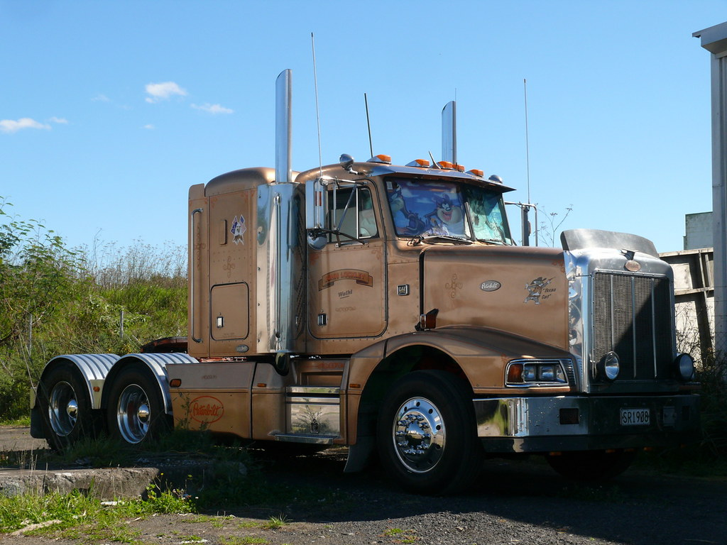 Peterbilt, John Lockle...