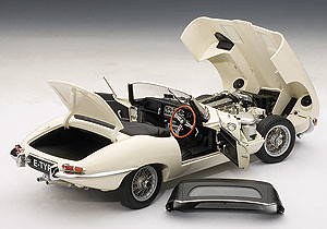 Jaguar R Type >> AUTOART 1/18 Jaguar E-Type Roadster Series I 3.8 - Cream | Flickr
