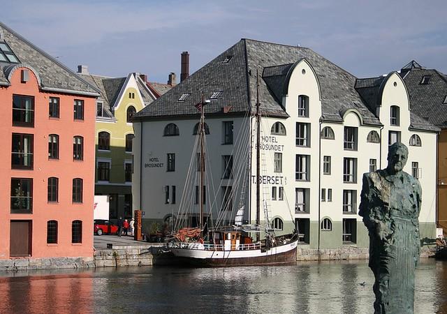 Alesund (Noruega)