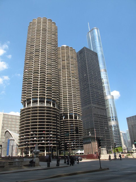 Marina city ibm plaza trump tower chicago flickr photo sharing for 400 garden city plaza
