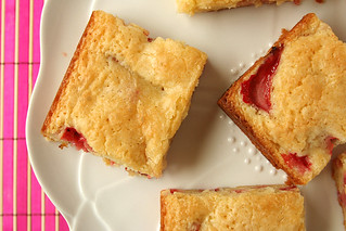 strawberry white chocolate brownies 9 | by crumblycookie