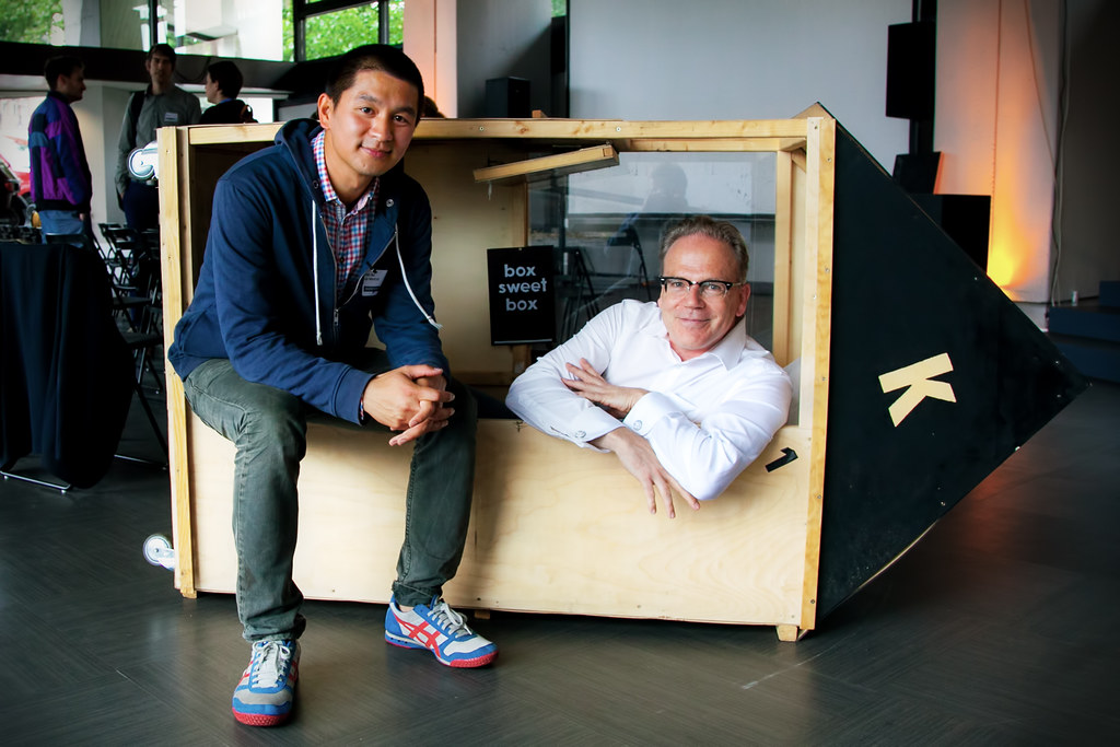 van bo le mentzel and j rgen siebert with the 1 sqm house. Black Bedroom Furniture Sets. Home Design Ideas
