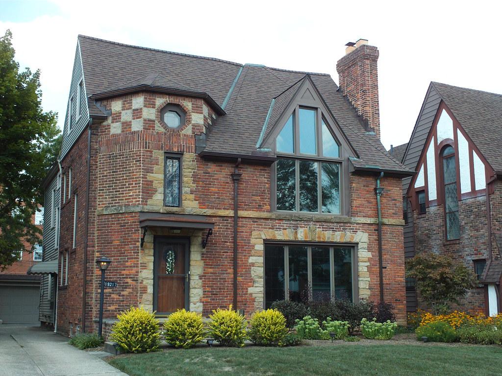 Winslow road shaker heights cleveland ohio tudor house for Tudor house