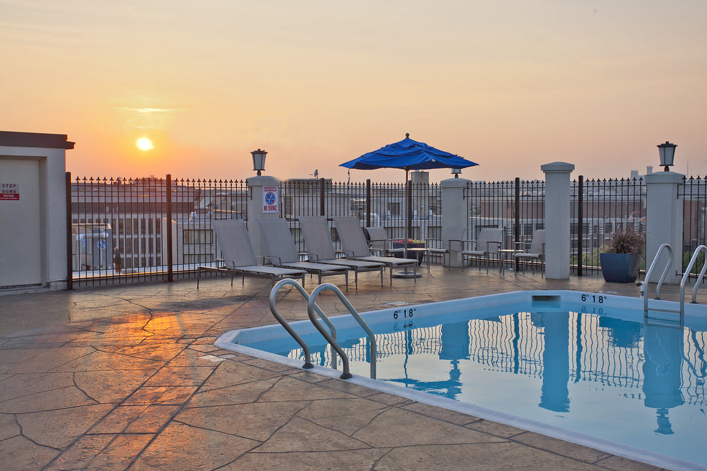 rooftop pool washington dc take a swim with the family. Black Bedroom Furniture Sets. Home Design Ideas