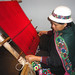 Balbina Coragua hila un axsu en un telar tradicional jalq'a. Crédito: Víctor Bellido /IPS