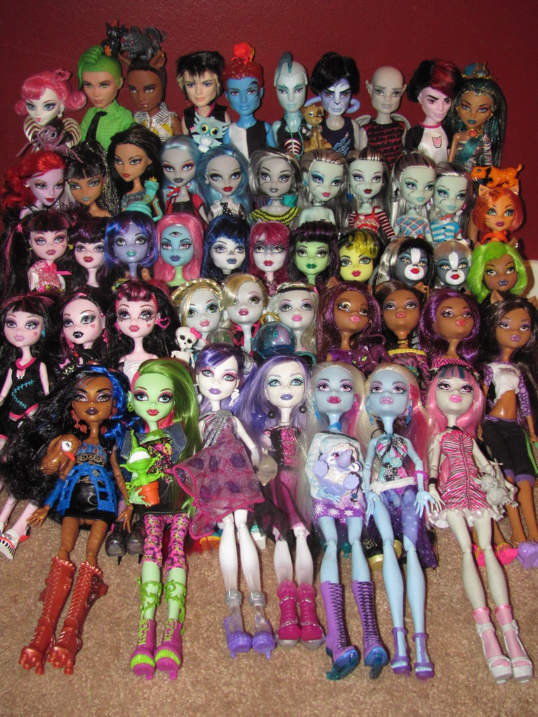my monster high doll collection as of 7  31  2012 back row