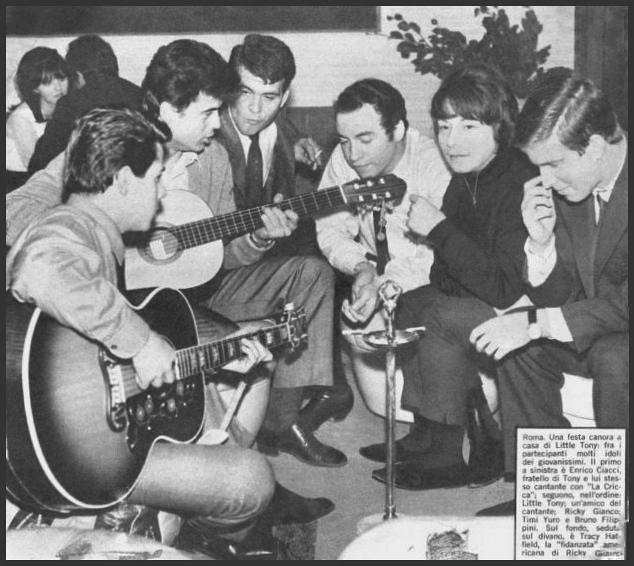36-156 Timi Yuro, Rome 1968 at home Little Tony - particip ...