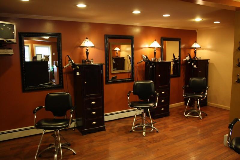 Local home salon home based salon in markham local home for Home salon ollioules