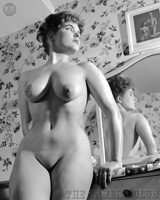 Shaved and shaven nudes