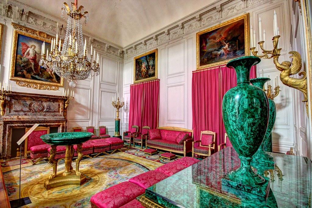 Chateau de versailles grand trianon salon des malachites for Salon de versailles