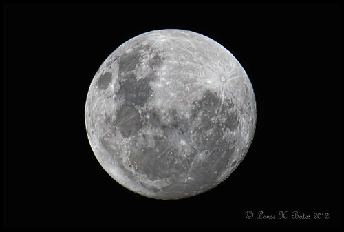 20120505 Full Moon in Southern Hemisphere | by Degilbo on flickr