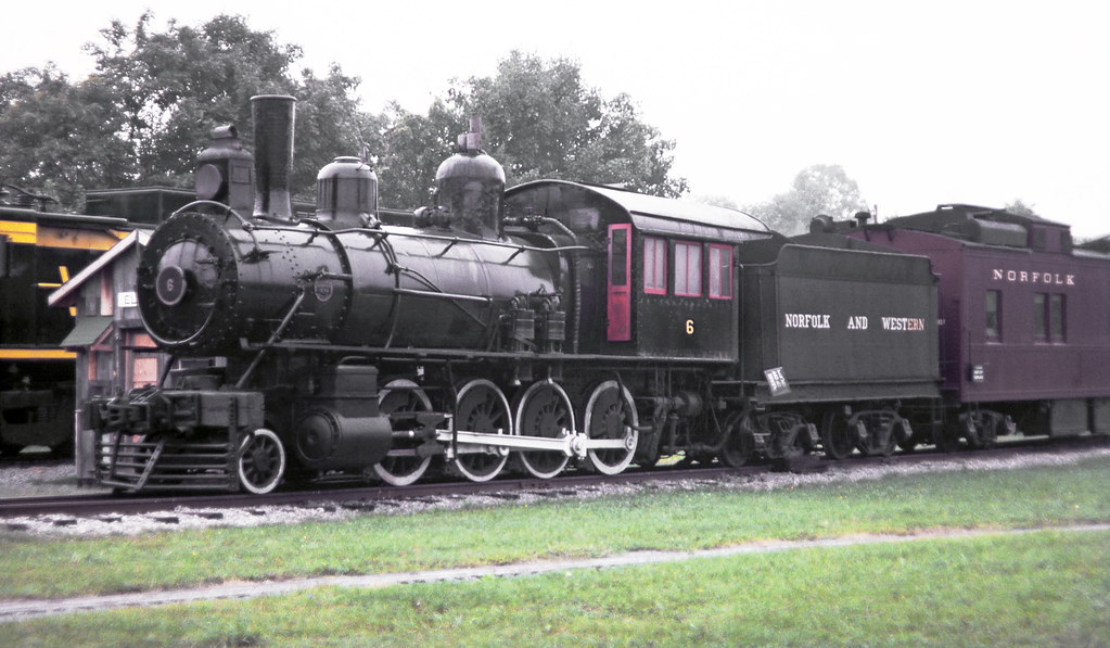 2 8 0 Consolidation Type Locomotives: Norfolk & Western 2-8-0 G-1 Class Consolidation Steam Loco