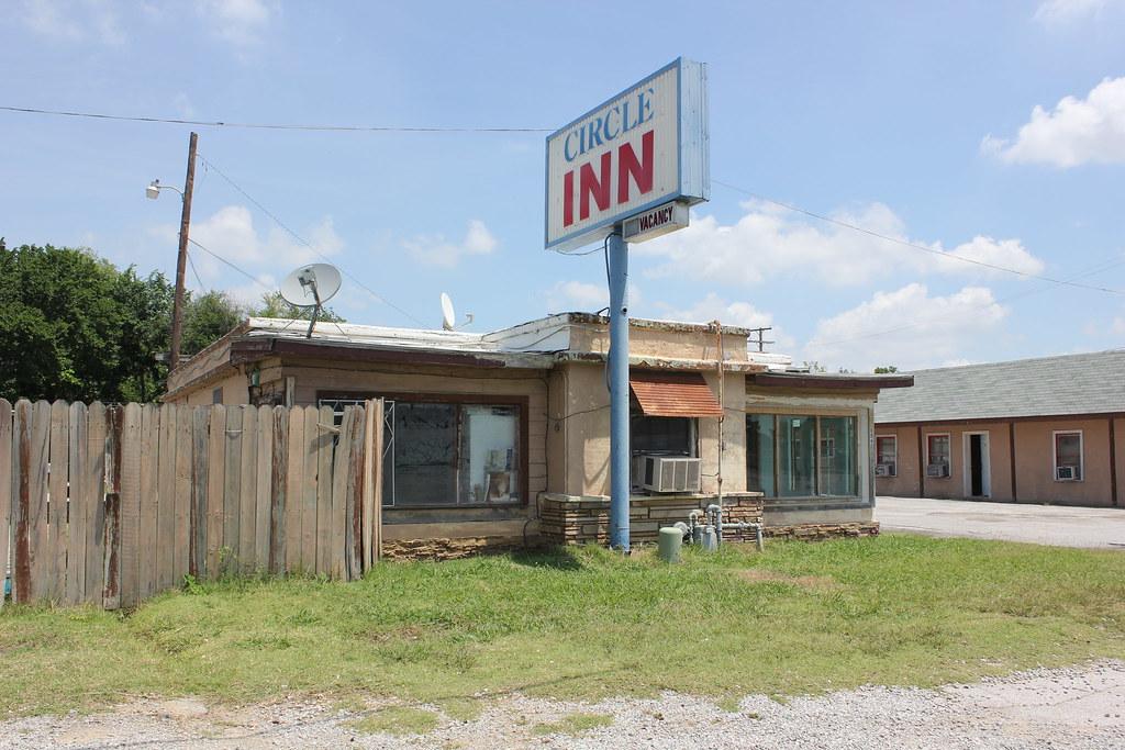 Circle inn tulsa oklahoma explore another old motel for Circle d motel