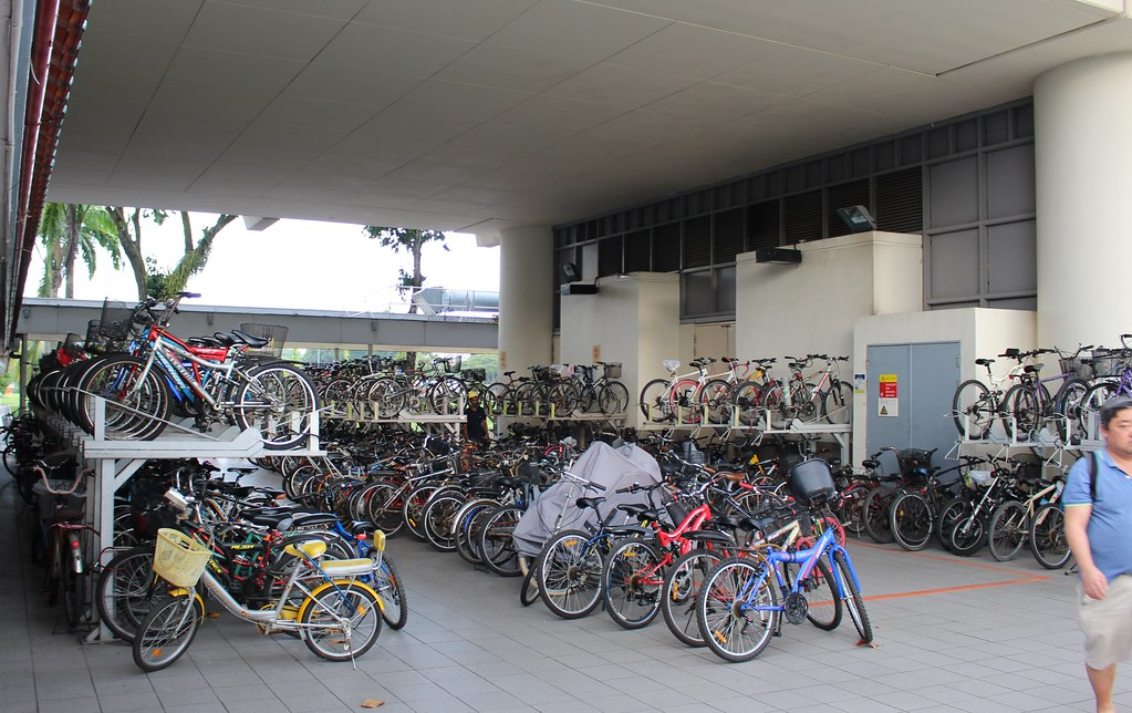 Singapore MRT: bicycle parking